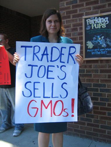 shopping for truth trader joes atlanta5 Photos of Occupy Monsanto Shopping for Truth at Trader Joes in Atlanta, Georgia Traitor Joes Traitor GMOs Trader Joes Trader GMOs Shopping for Truth Protest photography GMO Labeling gmo GCU Demonstration Atlanta Assurances 3rd Party Verification