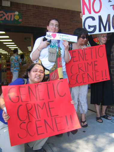 shopping for truth trader joes atlanta7 Photos of Occupy Monsanto Shopping for Truth at Trader Joes in Atlanta, Georgia Traitor Joes Traitor GMOs Trader Joes Trader GMOs Shopping for Truth Protest photography GMO Labeling gmo GCU Demonstration Atlanta Assurances 3rd Party Verification
