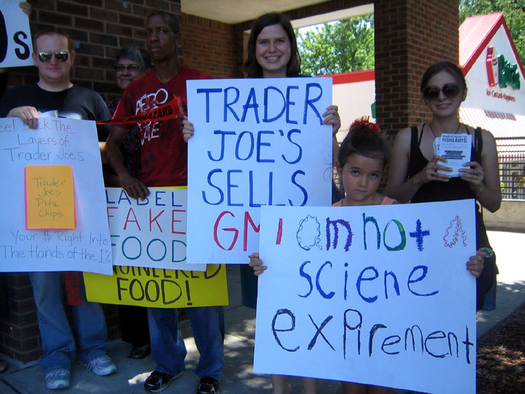 shopping for truth trader joes atlanta8 Photos of Occupy Monsanto Shopping for Truth at Trader Joes in Atlanta, Georgia