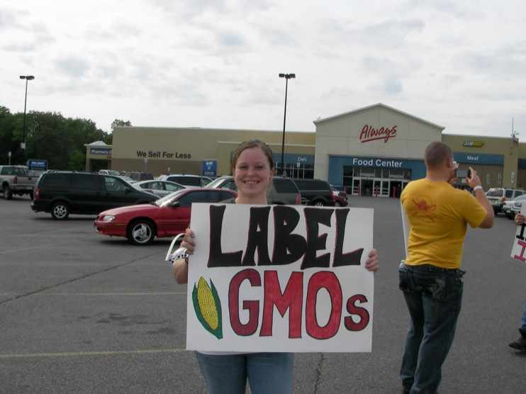 occupy monsanto defiance17 INCIDENT REPORT: Photos from GCU Field Agents outside Walmart in Defiance, Ohio Walmart Protest Parking Lot Ohio OH manager GMO Labeling GMO Corn gmo Demonstration Defiance Decontamination Event