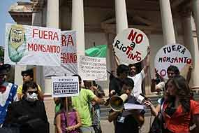 paraguay monsanto Prensa Latina News Agency: Paraguayans Protest Against U.S. Multinational South America Protest Paraguay Pantheon of the Heroes Occupy Monsanto Monsanto Out Paraguay gmo GM seeds Federico Franco Demonstration Campaign for Life and Human Rights Asuncion