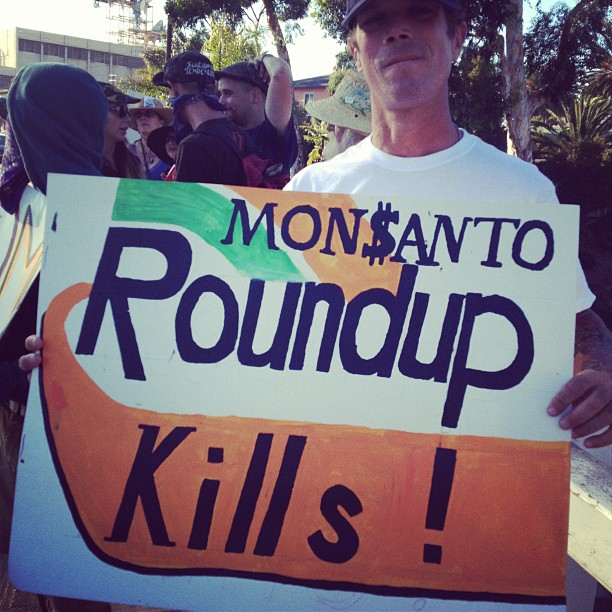 roundup kill 9.17 INCIDENT REPORT: Photos & Videos from San Diego, California March & Rally San Diego RoundUp Prop 37. Occupy Your Food Supply March food Demonstration Children Babies