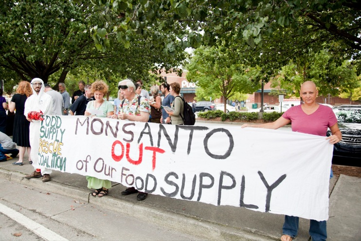 sean suddes occupy monsanto atlanta29 INCIDENT REPORT: Atlantas Food Supply Rescue Coalition Holds March Calling for End to Monsantos Genetically Engineered Food System Whole Foods Market USDA Steven Wing Publix Protest Proposition 37 Prop 37. Nina Roark McDonalds March Kroger Jaye Crawford Home Depot Georgia GCU GA Food Supply Rescue Coalition FDA Demonstration Atlanta ATL Agent Orange