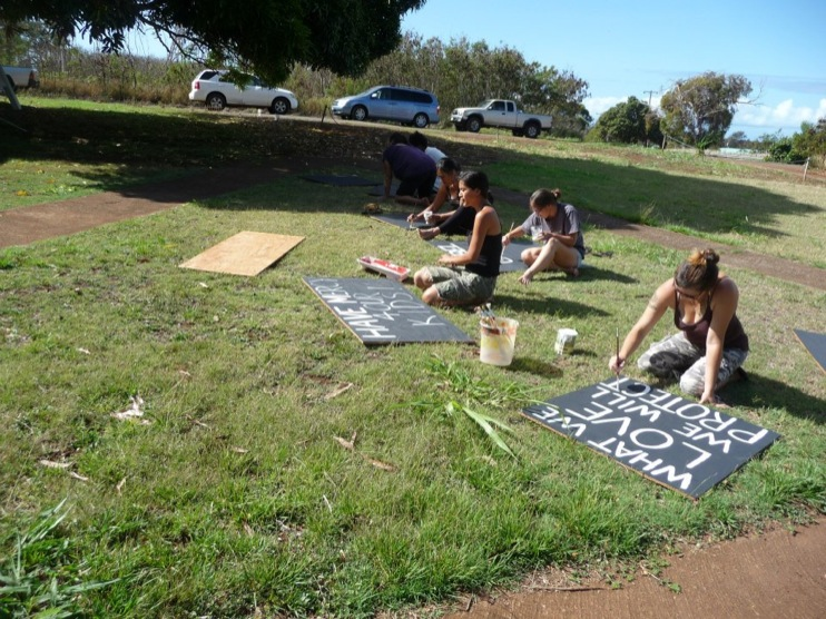 occupy monsanto molokai19 INCIDENT REPORT: Photos from GCU Field Agents in Molokai, Hawaii signs Protest pesticides organic Molokai Kids Island HI Hawaii GMO Free Molokai Farms Demonstration Chemicals