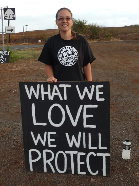 occupy monsanto molokai37 INCIDENT REPORT: Photos from GCU Field Agents in Molokai, Hawaii signs Protest pesticides organic Molokai Kids Island HI Hawaii GMO Free Molokai Farms Demonstration Chemicals