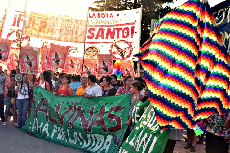 Against Monsanto Malvinas Argentinas20 [INCIDENT REPORT] Fotos de la Marcha en Malvinas Argentinas street South America Protest Mundo Millones contra Monsanto Manifestación Malvinas Argentinas Global Fuera Monsanto Direct Action Demonstration Cordoba Argentina