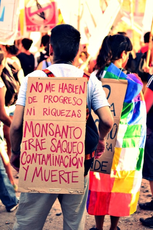 Against Monsanto Malvinas Argentinas6 [INCIDENT REPORT] Fotos de la Marcha en Malvinas Argentinas street South America Protest Mundo Millones contra Monsanto Manifestación Malvinas Argentinas Global Fuera Monsanto Direct Action Demonstration Cordoba Argentina
