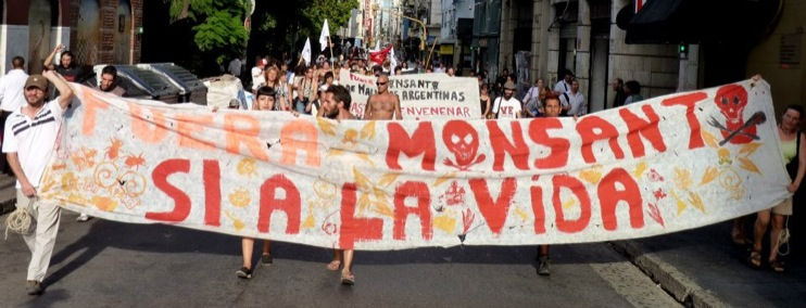 Marcha Buenos Aires8 [INCIDENT REPORT] Fotos de la Marcha en Buenos Aires Argentina street South America Protest Mundo Millones contra Monsanto Manifestacin Global Fuera Monsanto Direct Action Demonstration Cordoba Buenos Aires Argentina 